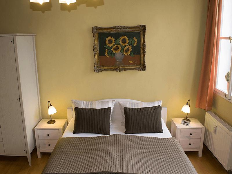 Ferienwohnungen Stobenstrasse EG Bett